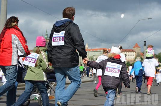 Марафон в Праге привлекает людей всех возрастов