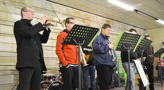 Насладитесь Рождественской музыкой в метро Праги