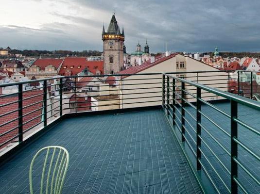 Отель с террасой в Праге - Leon D'Oro