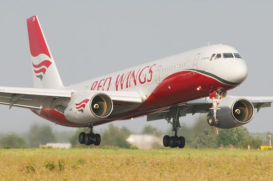 Самолет Red Wings Airlines